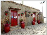 Centro Storico Abitazione di Pescatori, oggi centro storico di Marzamemi adibiti a trattorie tipiche  - Marzamemi (4501 clic)