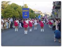 Festa dell'Etna 2003, Sfilata Gruppi Folcoristici per via Roma  - Linguaglossa (3852 clic)