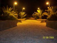 Gibellina by night, foto serale tra le vie dell'orto botanico.  - Gibellina (4549 clic)