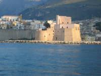 Il castello visto dal mare  - Castellammare del golfo (1759 clic)