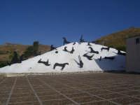 Daglio Distefano, museo di Gibellina, immerso tra i vigneti Gibellinesi.  - Gibellina (8763 clic)