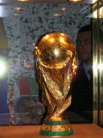 La Coppa del Mondo esposta al PalaCannizaro prima della finale di Coppa Italia di calcio a 5.  - Cannizzaro (2184 clic)