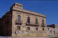 PALAZZO SIGNORELLI  - Castelvetrano (5385 clic)