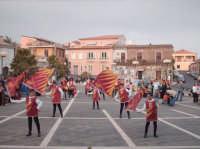 Sbandieratori e Musici Leoni Reali di Camporotondo Etneo (CT), momenti dell'esibizione dei piccoli leoncini  - Belpasso (1178 clic)