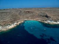 CALA TABACCARA SULLA COSTA MERIDIONALE DELL'ISOLA DI LAMPEDUSA.  - Lampedusa (9930 clic)