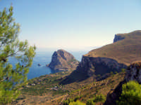 panorama su mongerbino da monte catalfano  - Bagheria (9663 clic)