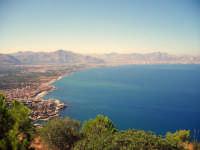 splendida veduta da monte catalfano sul golfo di palermo in basso il paese di aspra BAGHERIA gaetano