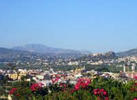 panorama su santa flavia,sullo sfondo la rocca busambra  - Santa flavia (4480 clic)