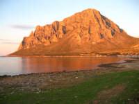 Splendida vista del monte cofano durante un bel pomeriggio di Gennaio.  - Cornino (8604 clic)
