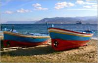 Le barche in riva allo stretto di Messina  - Messina (7609 clic)