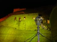 FOTO NOTTURNA DEL CASTELLO DI SPERLINGA DEL 16 AGOSTO 2007 IN OCCASIONE DELLA FESTA DEL TORTONE E DELL' VIII EDIZIONE DELLA MANIFESTAZIONE LA DAMA DEL CASTELLO  - Sperlinga (2641 clic)
