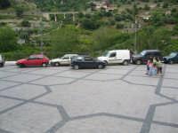 Fiumedinisi - Una veduta di Piazza Matrice  - Fiumedinisi (4140 clic)