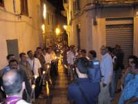 Festa della Vara 2007 - Vigilia 11 Agosto 2007 - Um momento della processione dei devoti portatori della Vara  - Fiumedinisi (2669 clic)