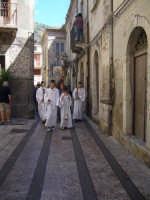 Festa della Vara 2007 - Festa 12 Agosto 2007 - Le autorità civili e religiose si recano presso la chiesa di San Pietro per prelevare l'Arcivescovo di Messina  - Fiumedinisi (5476 clic)
