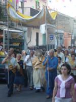 Corpus Domini 2007 - L'ostensorio in processione per le vie cittadine di Alì Terme  - Alì terme (4424 clic)