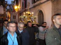 Festa Annunziata 2007. L'artistico reliquiario del capello della Madonna in processione.  - Fiumedinisi (3669 clic)