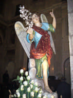 Festa Annunziata 2007. Il simulacro dell'Arcangelo Gabriele, che viene portato in processione assieme a quello della Patrona Maria SS Annunziata.  - Fiumedinisi (19885 clic)