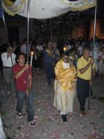 Corpus Domini 2007 - La processione fa rientro in chiesa in serata  - Alì terme (5523 clic)