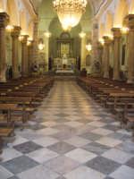 Fiumedinisi - Interno del bellissimo santuario intitolato a Maria SS Annunziata, Patrona del centro Nisano  - Fiumedinisi (3869 clic)