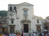 Fiumedinisi - Esterno del bellissimo santuario intitolato a Maria SS Annunziata, Patrona del centro Nisano  - Fiumedinisi (3510 clic)