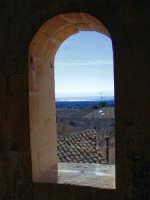 VISTA DA UNA FINESTRA DEL CASTELLO DI DONNAFUGATA  - Donnafugata (4376 clic)