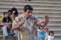 Inaugurazione Cattedrale di Noto. 18 giugno 2007. Il maestro Di Stefano durante le prove del concerto serale.  - Noto (1813 clic)
