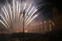 Inaugurazione Cattedrale di Noto. 18 giugno 2007. I fuochi d'artificio hanno concluso la serata.  - Noto (2195 clic)