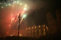 Inaugurazione Cattedrale di Noto. 18 giugno 2007. la giornata si concludo con uno spettacolo pirotecnico  - Noto (2474 clic)