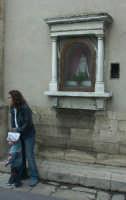 Edicola votiva dedicata alla Madonna di Gulfi  - Chiaramonte gulfi (1980 clic)