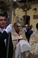 Real Maestranza a Caltanissetta:la processione con il Santissimo  - Caltanissetta (2854 clic)