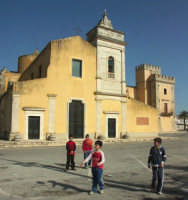 Chiesa di San Vincenzo e Castello Biscari  - Acate (4554 clic)