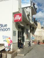 Luoghi del Commissario Montalbano: Donnalucata - Bar Blue Moon  - Scicli (4830 clic)
