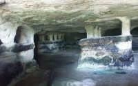 Luoghi del Commissario Montalbano: Grotta delle Trebbacche, tombe a baldacchino RAGUSA SALVATORE BRA