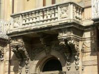 Stupendo balcone nel centro di Canicattini. Testimonianza della scuola di abili csalpellini esistita