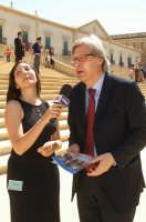 Inaugurazione Cattedrale di Noto - 18 giugno 2007 - Vittorio Sgarbi intervistato davanti la Cattedrale  - Noto (2806 clic)