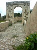 Ponte San Alfano alla periferia del paese  - Canicattini bagni (5349 clic)