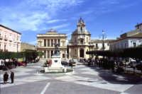 Vittoria: Piazza del Popolo VITTORIA SALVATORE BRANCATI