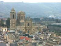 Vizzini: veduta con chiesa di San Giovanni  - Vizzini (2894 clic)