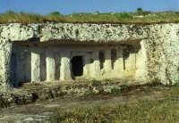 Tomba preistorica a Cava Lazzaro  - Rosolini (6287 clic)