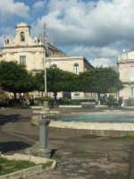 Piazza regina Elena e Chiesa S. Antonio  - Avola (2038 clic)