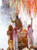 San Paolo a Palazzolo 2007: un momento dell'uscita delle 13.00  - Palazzolo acreide (1777 clic)