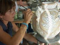 Lavorazione delle ceramiche  - Caltagirone (3360 clic)