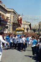 La corsa del Resuscitato incontro all'Addolorata della Madrice a mezzogiorno della Pasqua sul corso