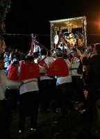 Giovedi Santo a Ispica, Cristo alla colonna: il simulacro viene portato in processione a Cava Ispica in occasione del centenario dell'erezione della Basilica di  Santa Maria Maggiore a monumento nazionale (1908-2008).  - Ispica (3884 clic)