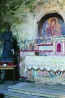Chiesetta rupestre di Santa Maria della Cava: interno  - Ispica (2513 clic)
