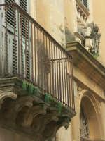Palazzo Masaracchio particolare  - Niscemi (4725 clic)