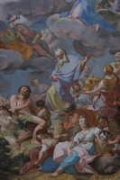 Basilica di S. Maria Maggiore, volta centrale, grande affresco con il Trionfo dell'Eucaristia, O. Sozzi, particolare. Mostra fotografica del Centenario Erezione a Monumento Nazionale (1908-2008)  - Ispica (1115 clic)