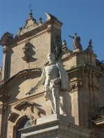 Scicli - Monumento a Busacca e Chiesa del Carmine  SCICLI SALVATORE BRANCATI