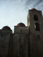 nella suggestiva cornice di San Giovanni agli eremiti ritroviamo la Palermo araba.  - Palermo (3841 clic)