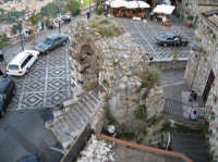 Scorcio della Piazza S. Antonino  - Castelmola (3262 clic)